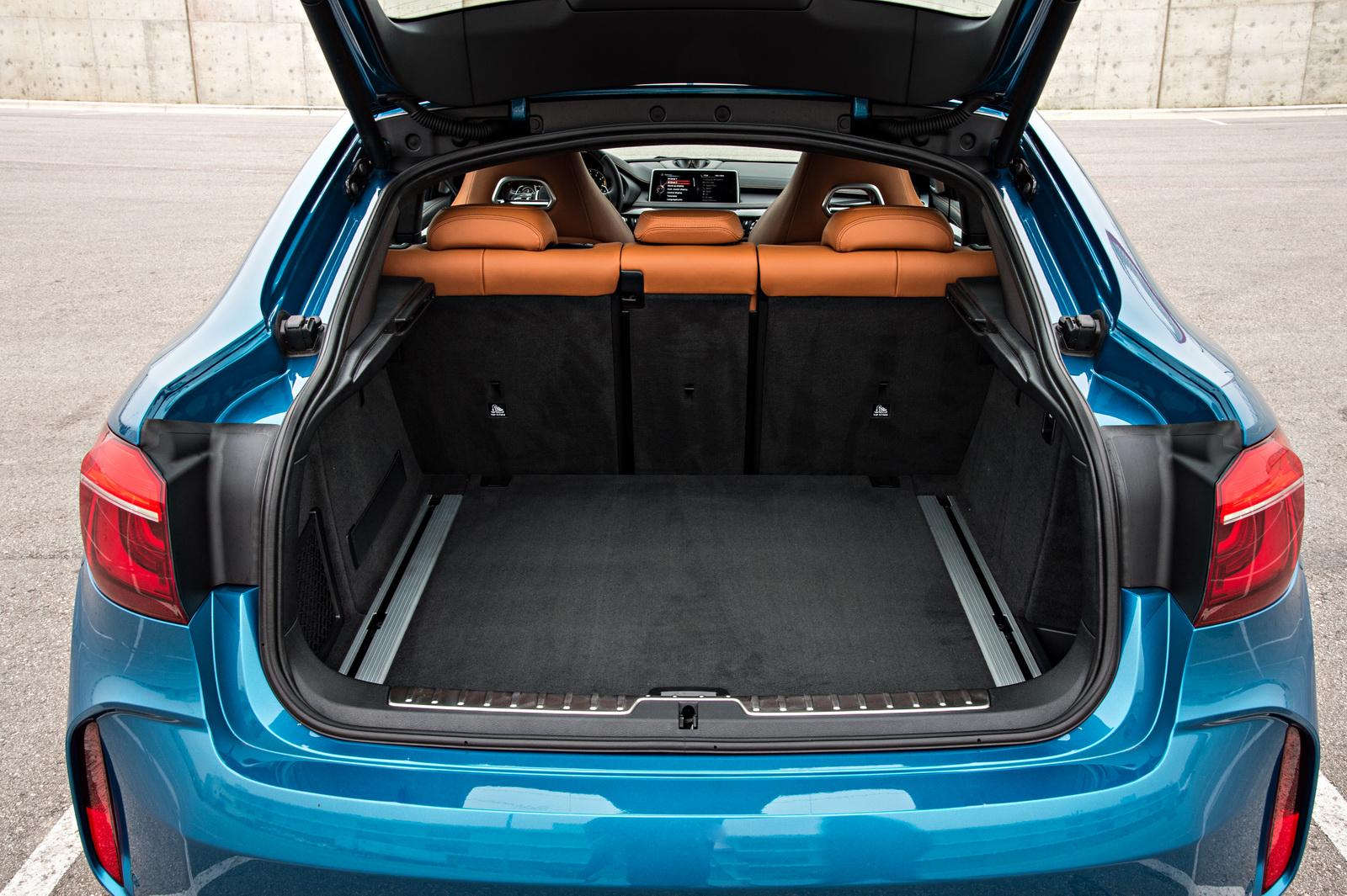 2015-BMW-X6M-144