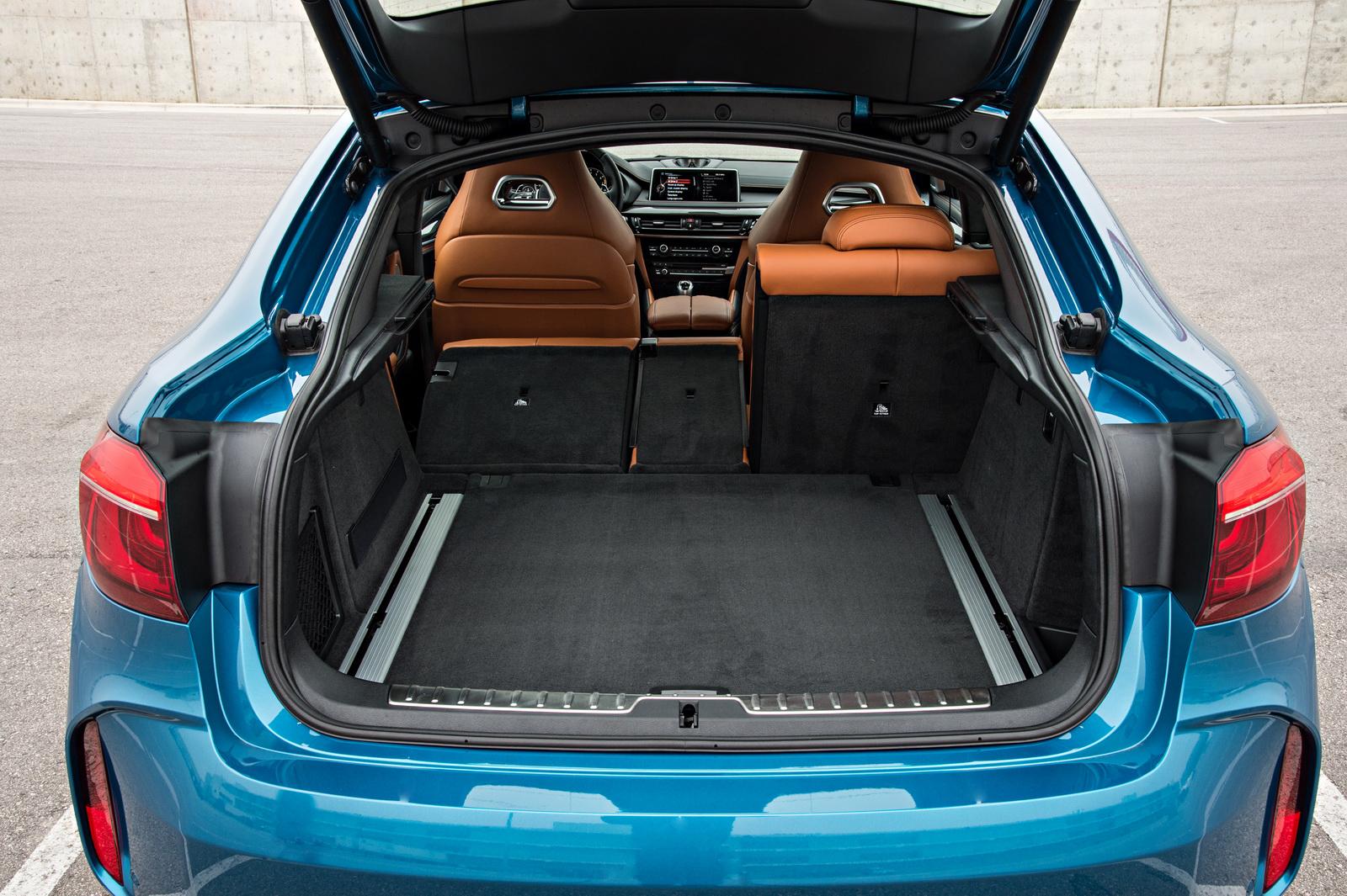 2015-BMW-X6M-147