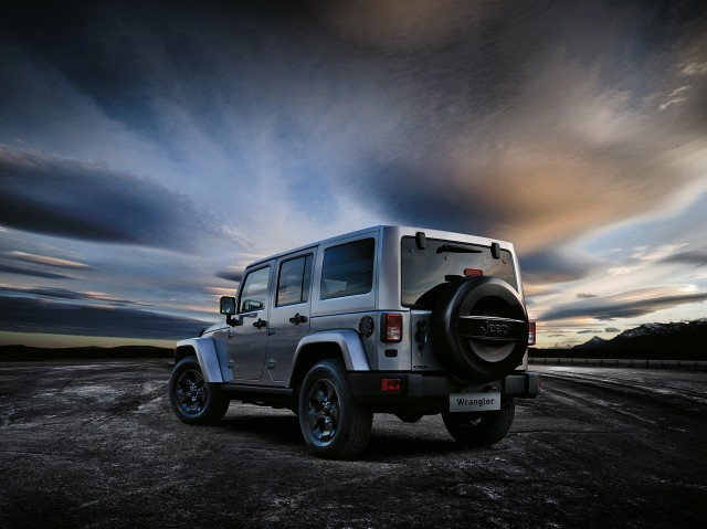 Oficial: Jeep Wrangler Black Edition II