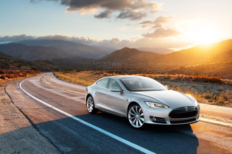 Tesla anuncia mejoras en las cifras de aceleración del Model S P 85D 1