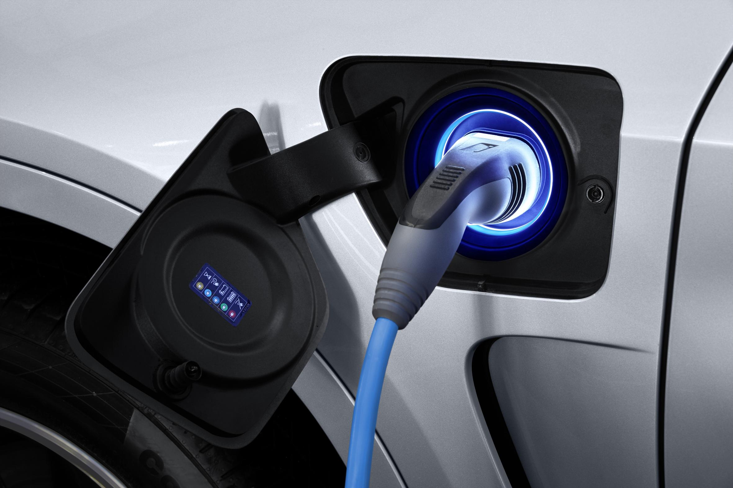 BMW X5 xDrive40e: Llega el SUV híbrido enchufable con tecnología eDrive 1