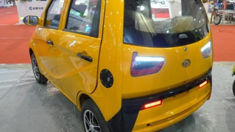 China lo vuelve a hacer: Copias del Volkswagen Beetle y BMW i3 5