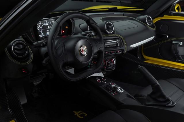 El Alfa Romeo 4C Spider llega a España, disponible desde los 75.000 euros 1