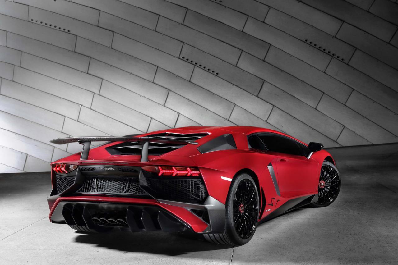 Lamborghini Aventador LP 750-4 Superveloce 1