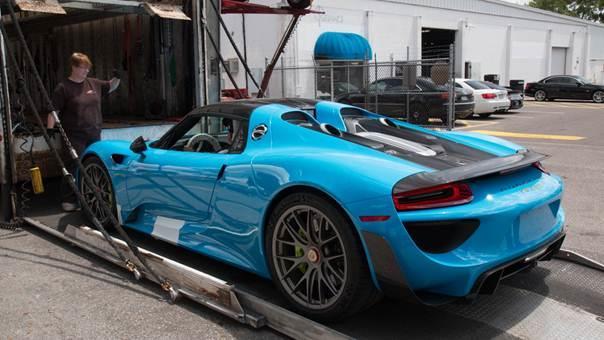 Así es el Porsche 918 Spyder al natural y en Riviera Blue 1