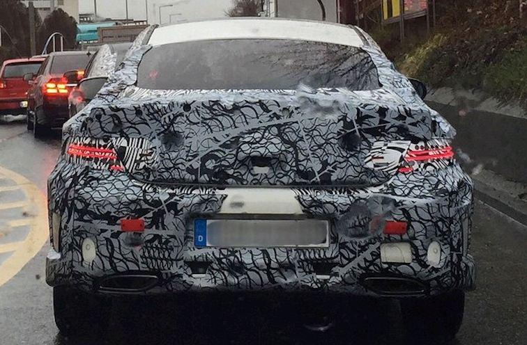 El Mercedes Clase C Coupé se deja ver en carretera 1