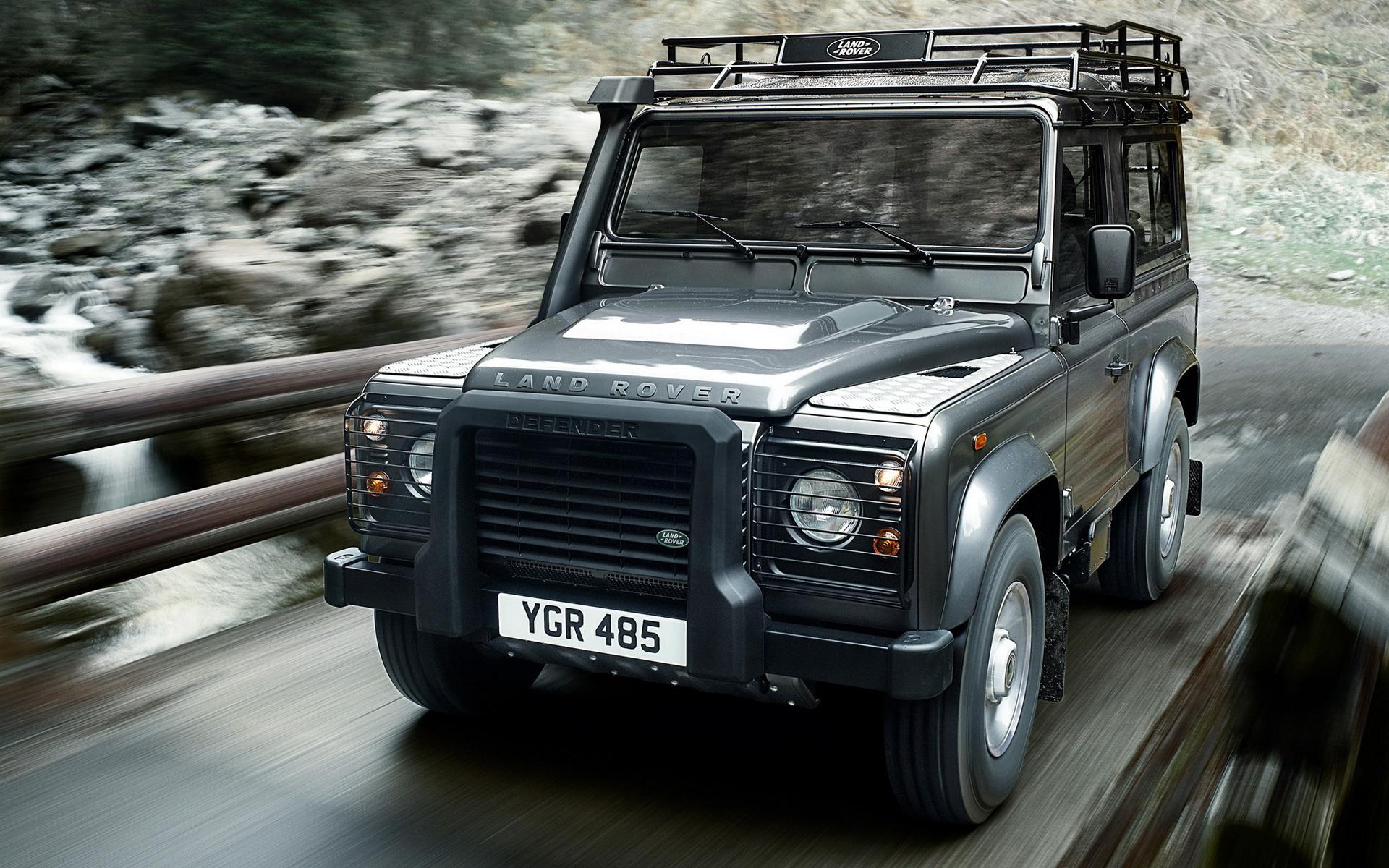El nuevo Land Rover Defender tendrá versiones off-road y de alto rendimiento 1