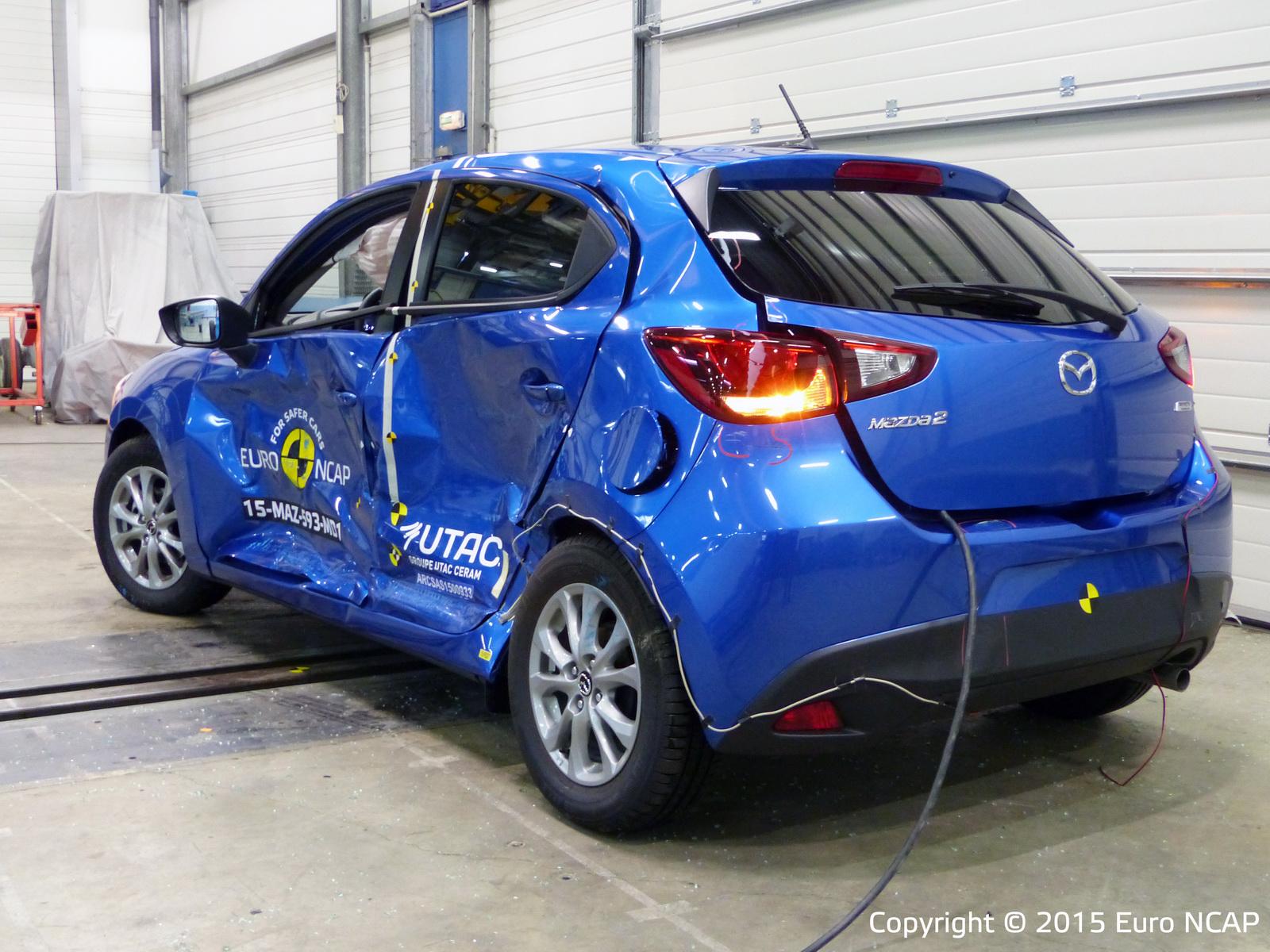 Euro NCAP: Los Renault Espace y Suzuki Vitara consiguen 5 estrellas, el Mazda2 y Fiat 500X se conforman con menos 2