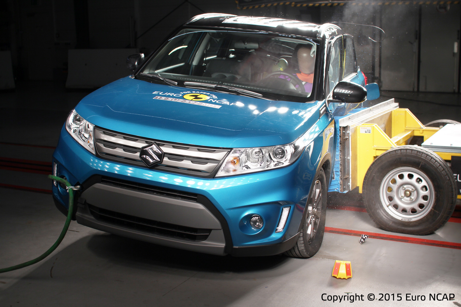 Euro NCAP: Los Renault Espace y Suzuki Vitara consiguen 5 estrellas, el Mazda2 y Fiat 500X se conforman con menos 4