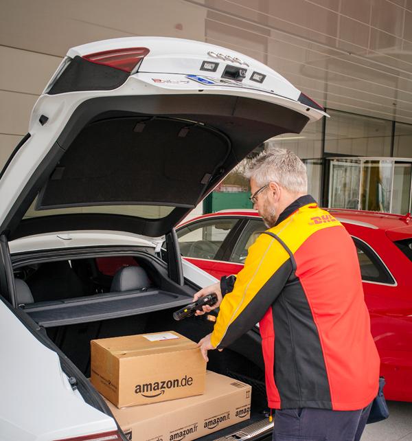 Gracias a Amazon y DHL podrás recibir paquetes en el maletero de tu coche 2
