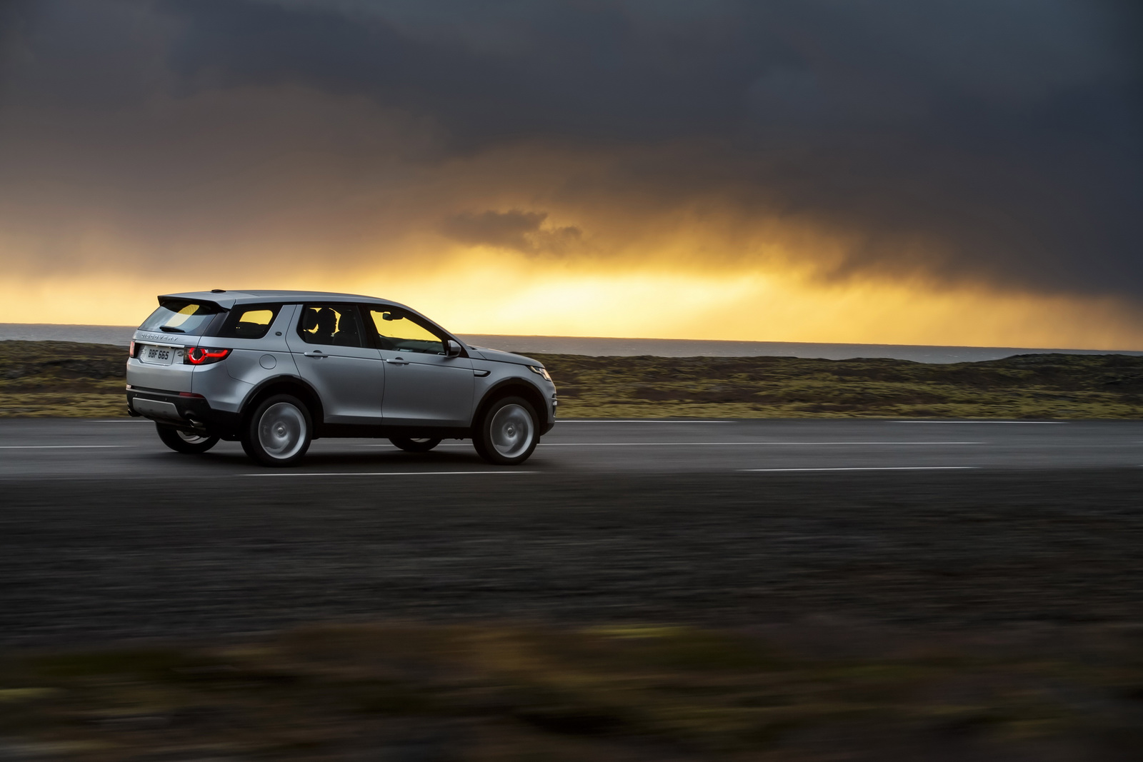 Motores Ingenium diésel de 150 y 180 CV ya disponibles para el Land Rover Discovery Sport 1