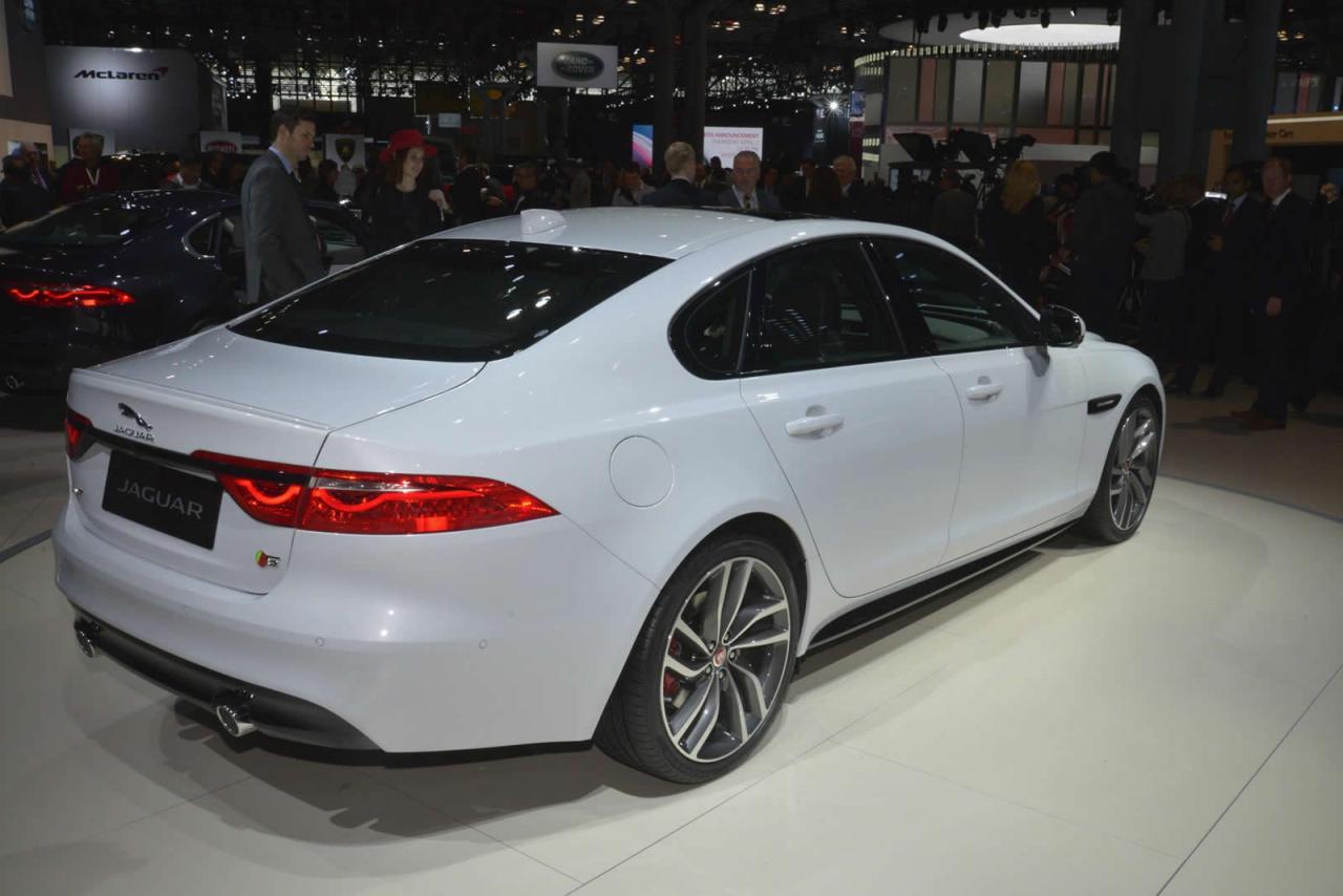 Nueva York 2015: Jaguar XF, al desnudo 2
