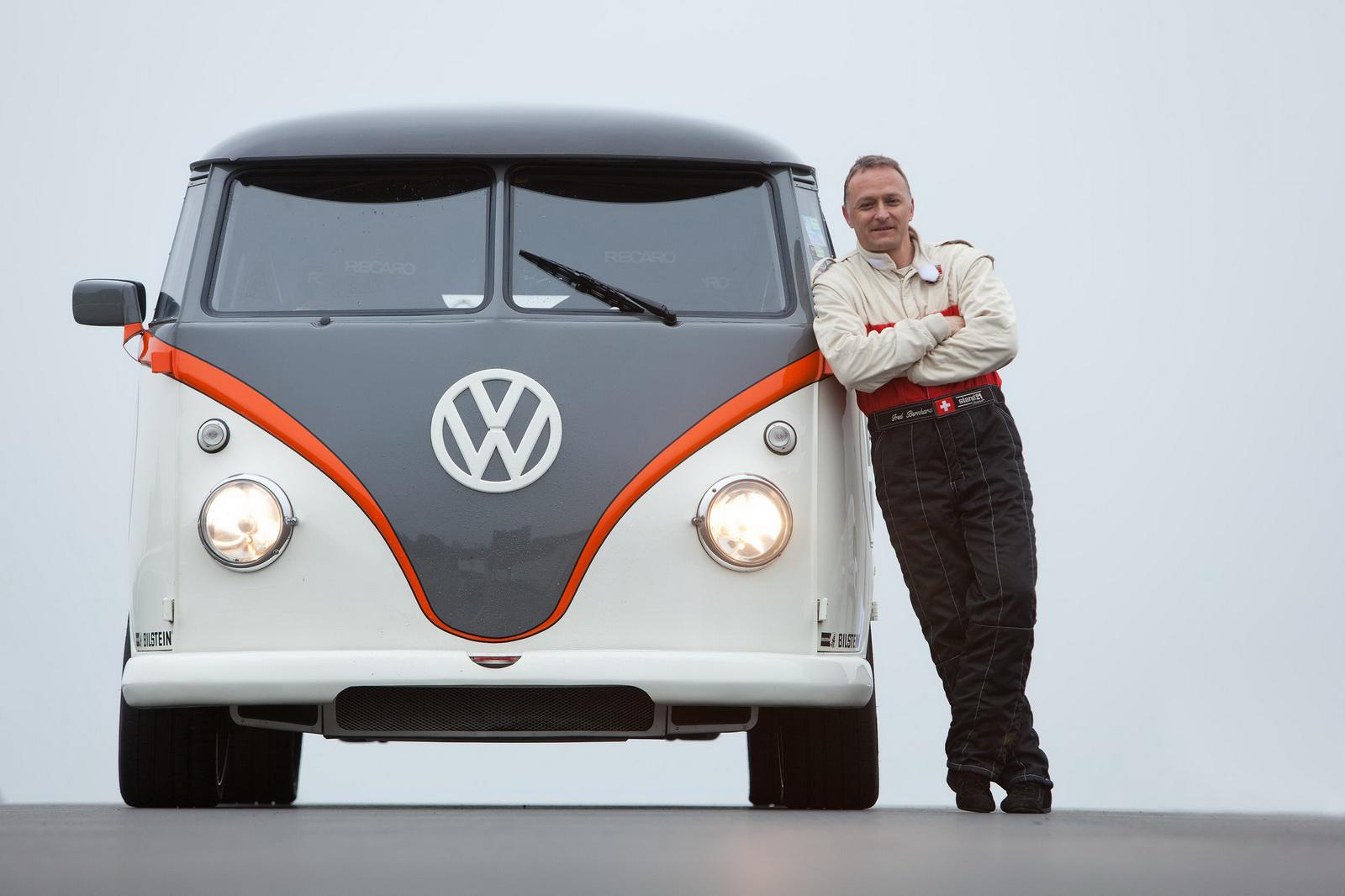 530 CV en una Volkswagen T1: Todo gracias a un motor air-cooled de Porsche 996 2