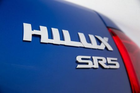 Toyota-Hilux-2016-15