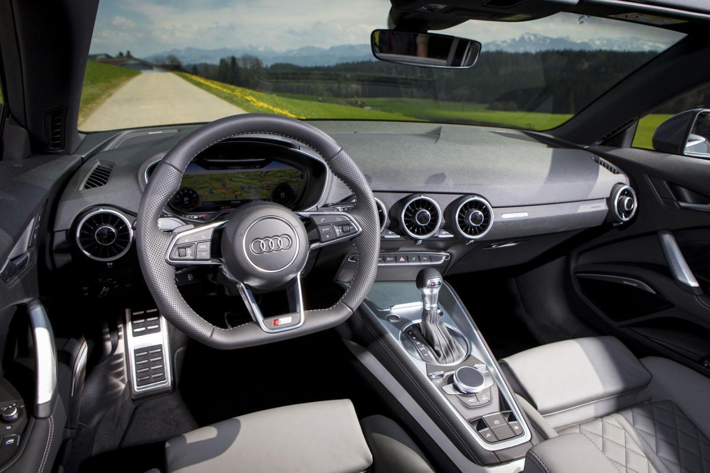 El Audi TT Roadster de ABT llega con 310 CV y una estética más deportiva 4