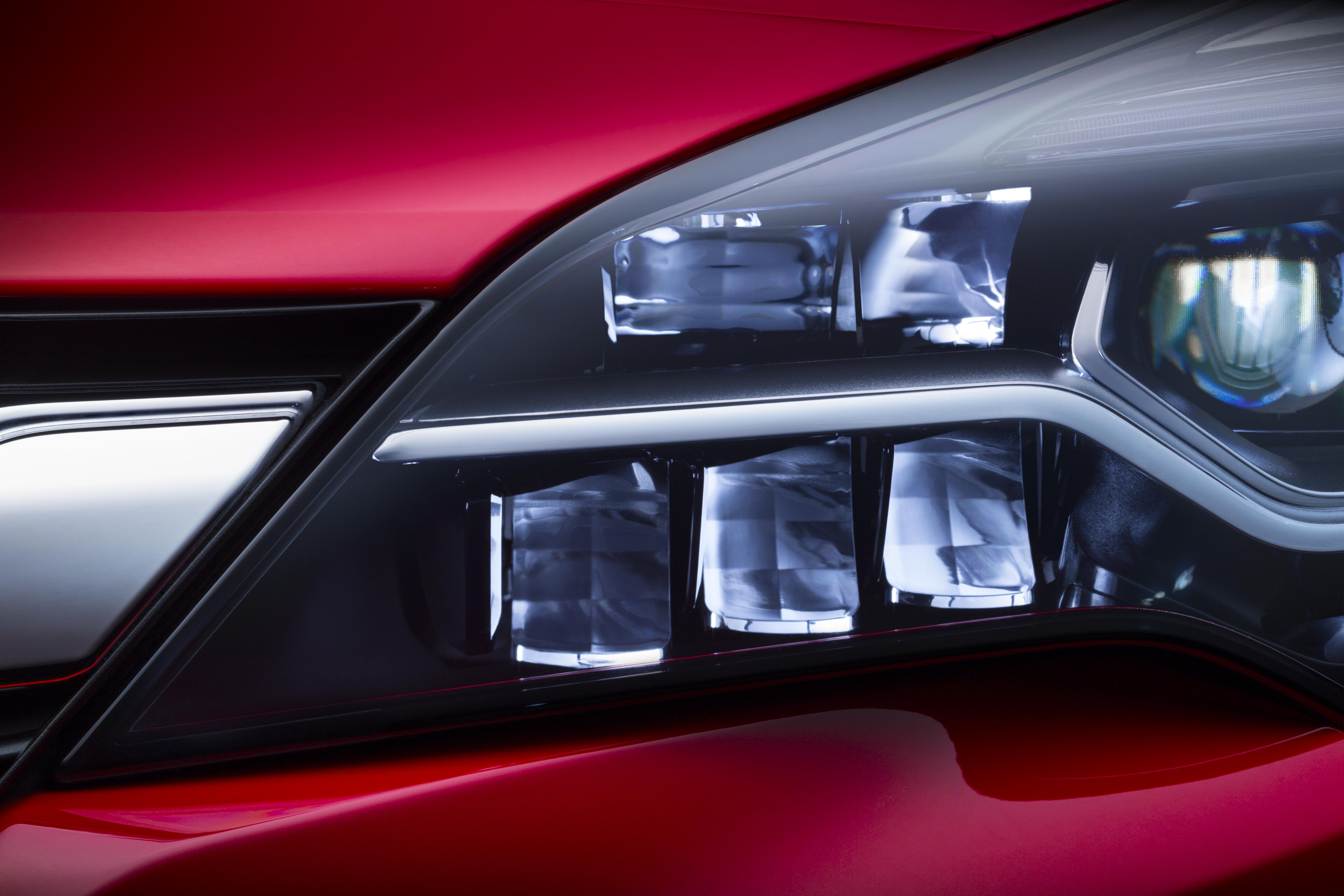 IntelliLux: La tecnología que estrenará el nuevo Opel Astra K 3