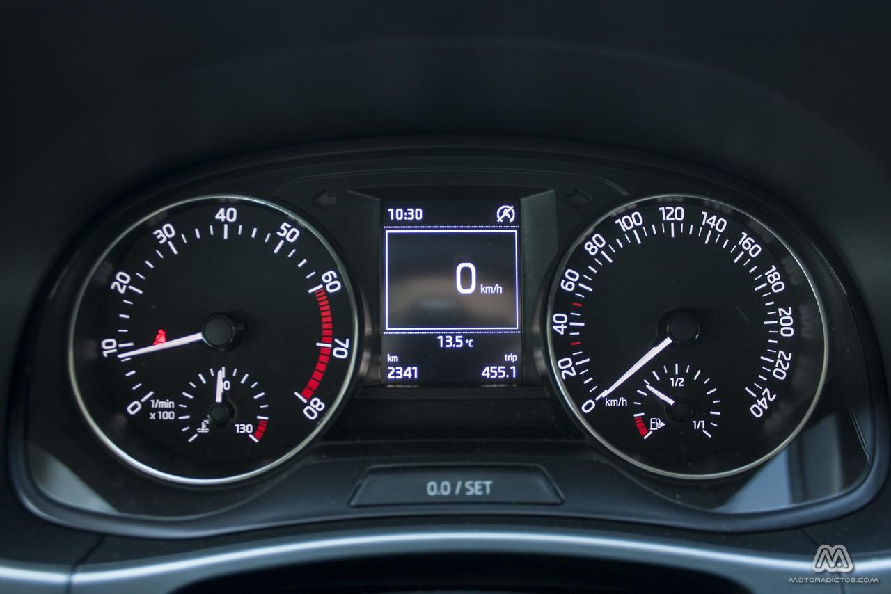 Prueba: Skoda Fabia 1.0 MPI 75 CV (diseño, habitáculo, mecánica) 10