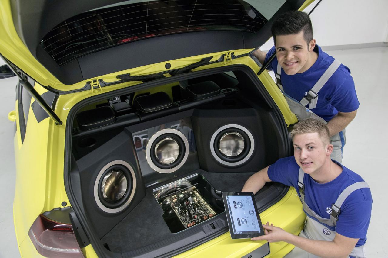 Volkswagen Golf GTI Dark Shine, brillando en Wörthersee con 395 caballos y creado por estudiantes 2