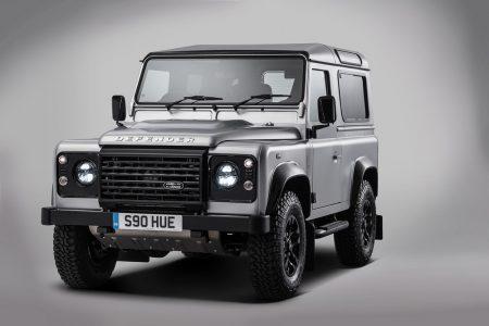 Land-Rover-Defender-2000000-2