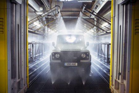 Land-Rover-Defender-2000000-26