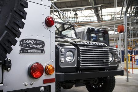 Land-Rover-Defender-2000000-30