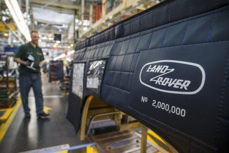Land-Rover-Defender-2000000-39