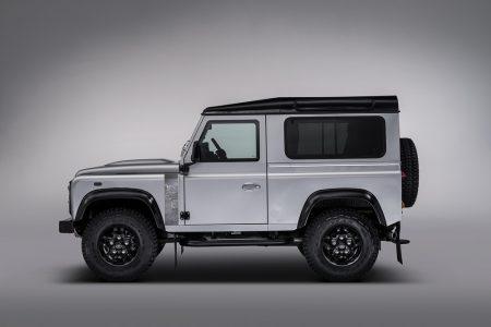 Land-Rover-Defender-2000000-6