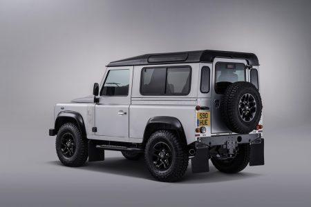 Land-Rover-Defender-2000000-7