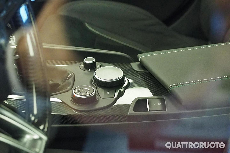 El interior del Alfa Giulia al descubierto: No son las fotos oficiales, pero tampoco un render 2