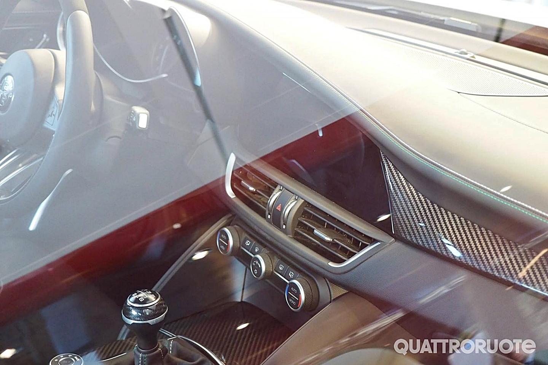 El interior del Alfa Giulia al descubierto: No son las fotos oficiales, pero tampoco un render 3