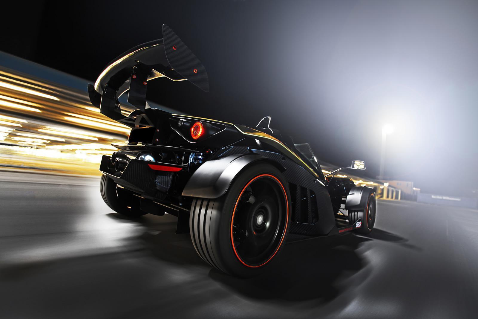 KTM X-BOW GT Dubai Gold Edition: 485 CV para machacarte en circuito 2