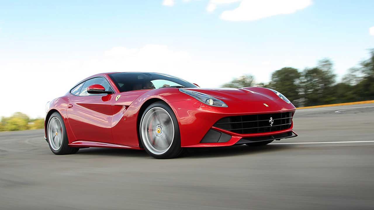 La renovación del Ferrari F12 Berlinetta llegará en 2016 con casi 800 caballos de potencia 1