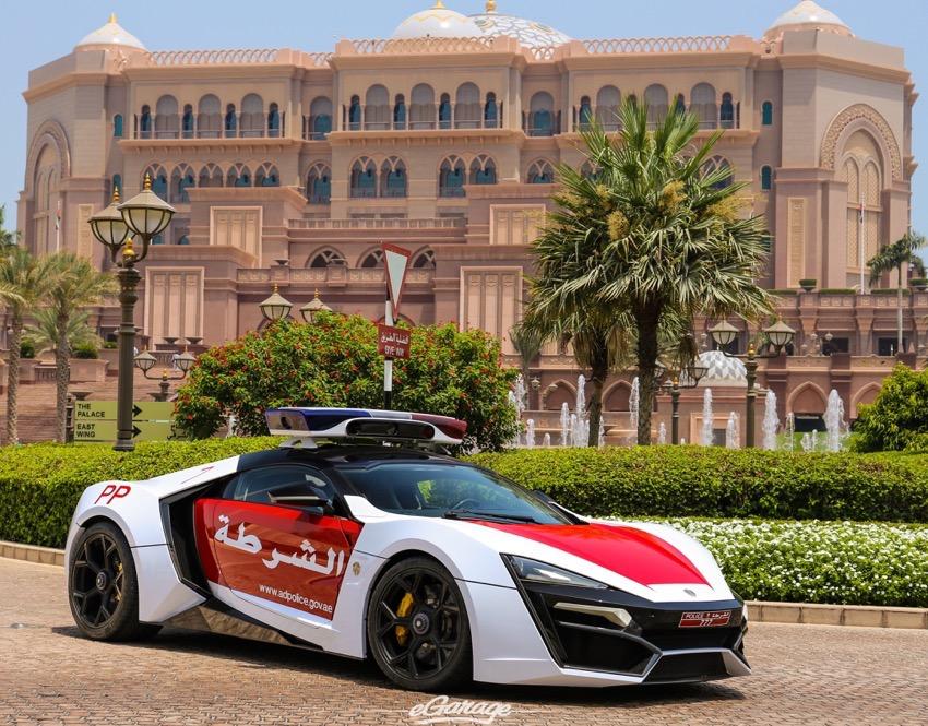 Lykan Hypersport: el último arma de la Policía de Abu Dhabi 3