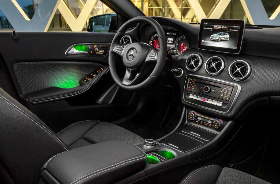 Mercedes introduce el Clase A 2016: El compacto premium actualiza su estética 2