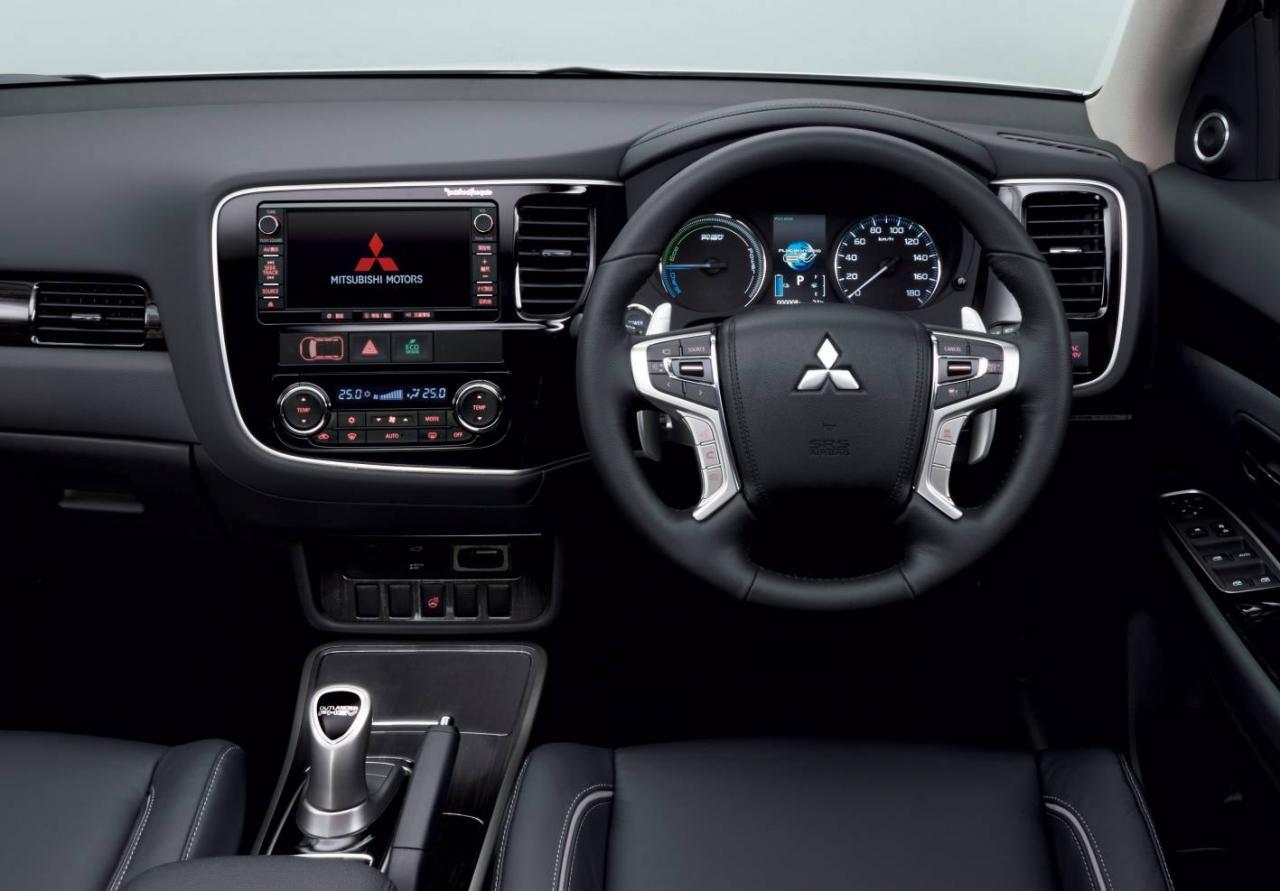 Mitsubishi Outlander PHEV 2016: El híbrido enchufable, ahora con más equipamiento y autonomía 1