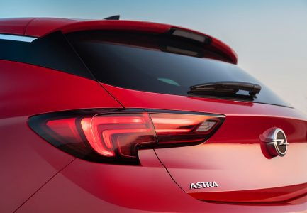 opel-astra-2015-10-1440px