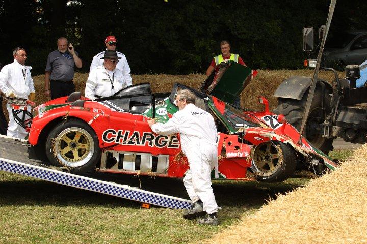 Un Mazda 767B de Le Mans tiene un accidente en Goodwood 2015 2