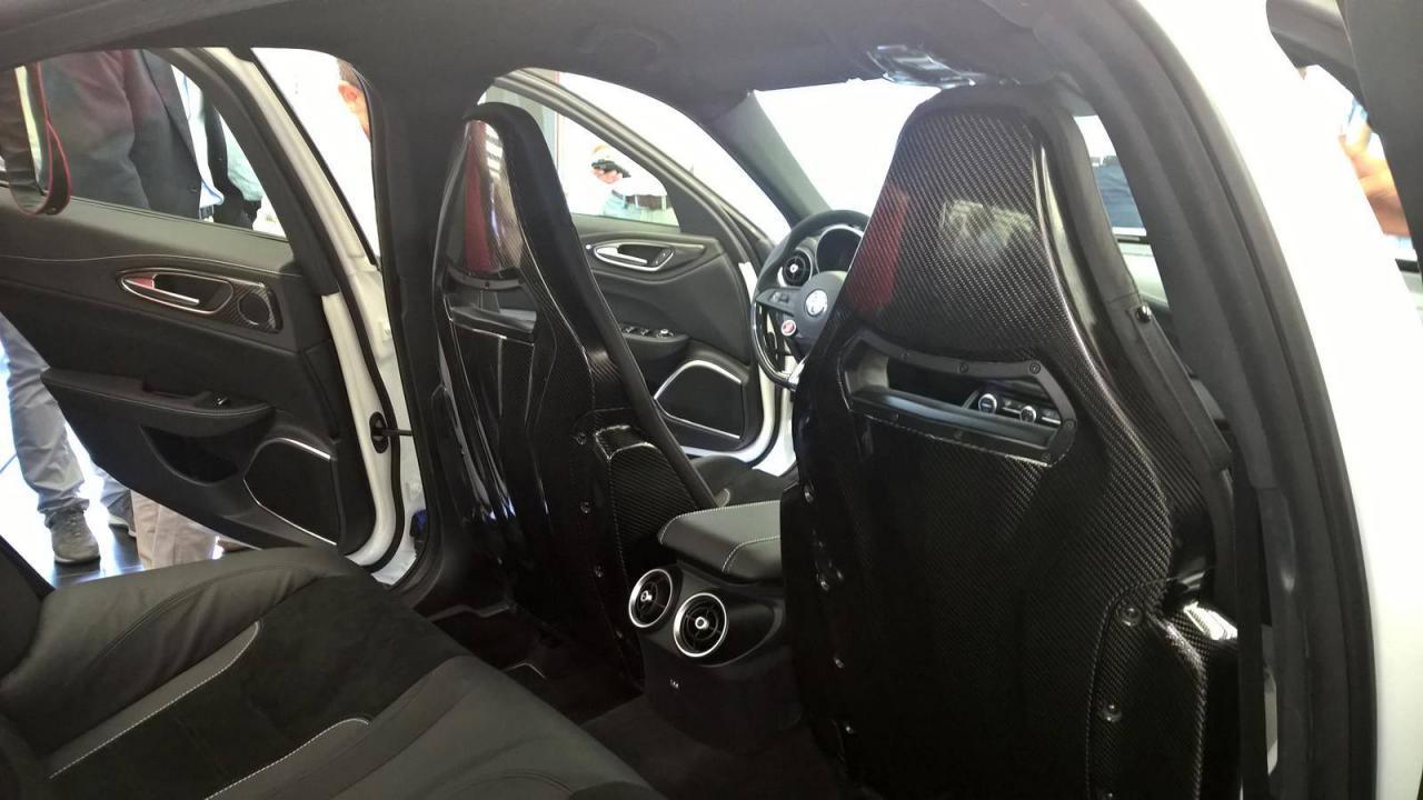 Así es el interior del Alfa Romeo Giulia QV 2
