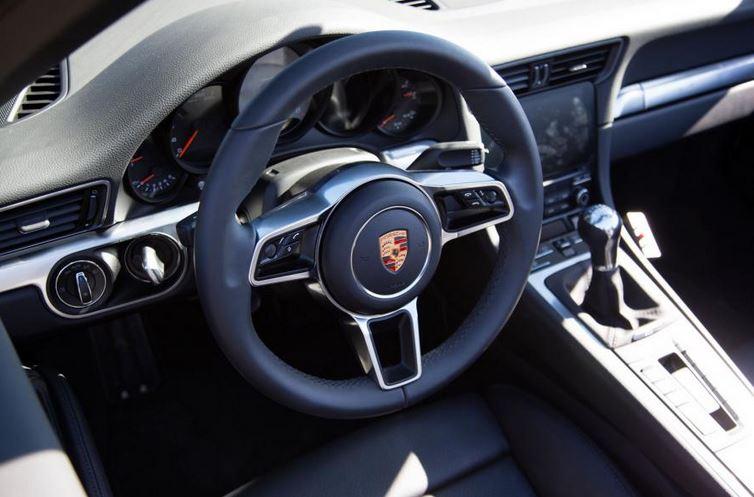 Así es el nuevo Porsche 911, ¡primeras fotos oficiales! 1