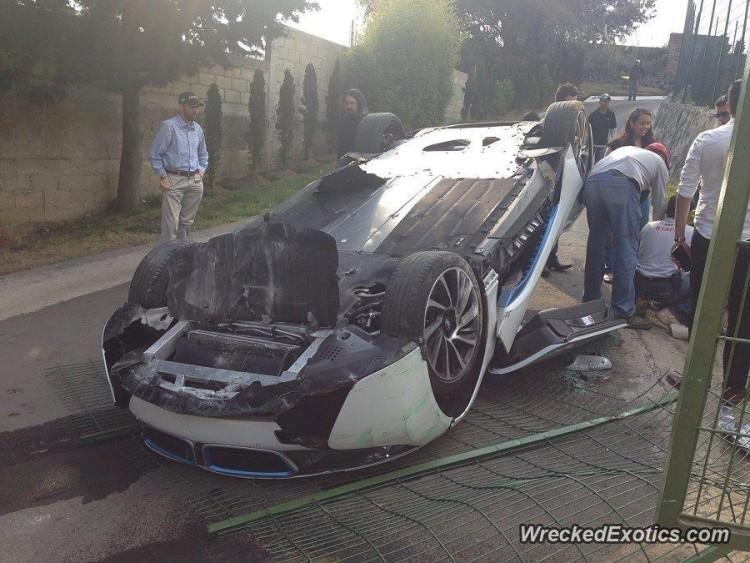 Así quedó un BMW i8 de prensa en México: Dolor, mucho dolor... 2