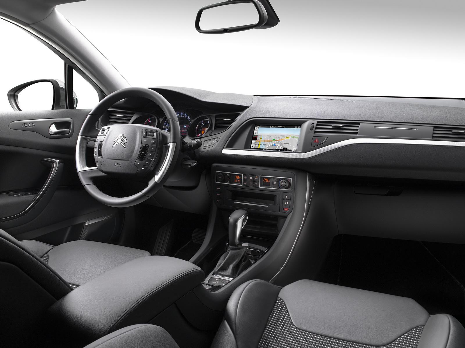 Citroën se resiste a enterrar todavía el C5: Actualización para el 2015 2