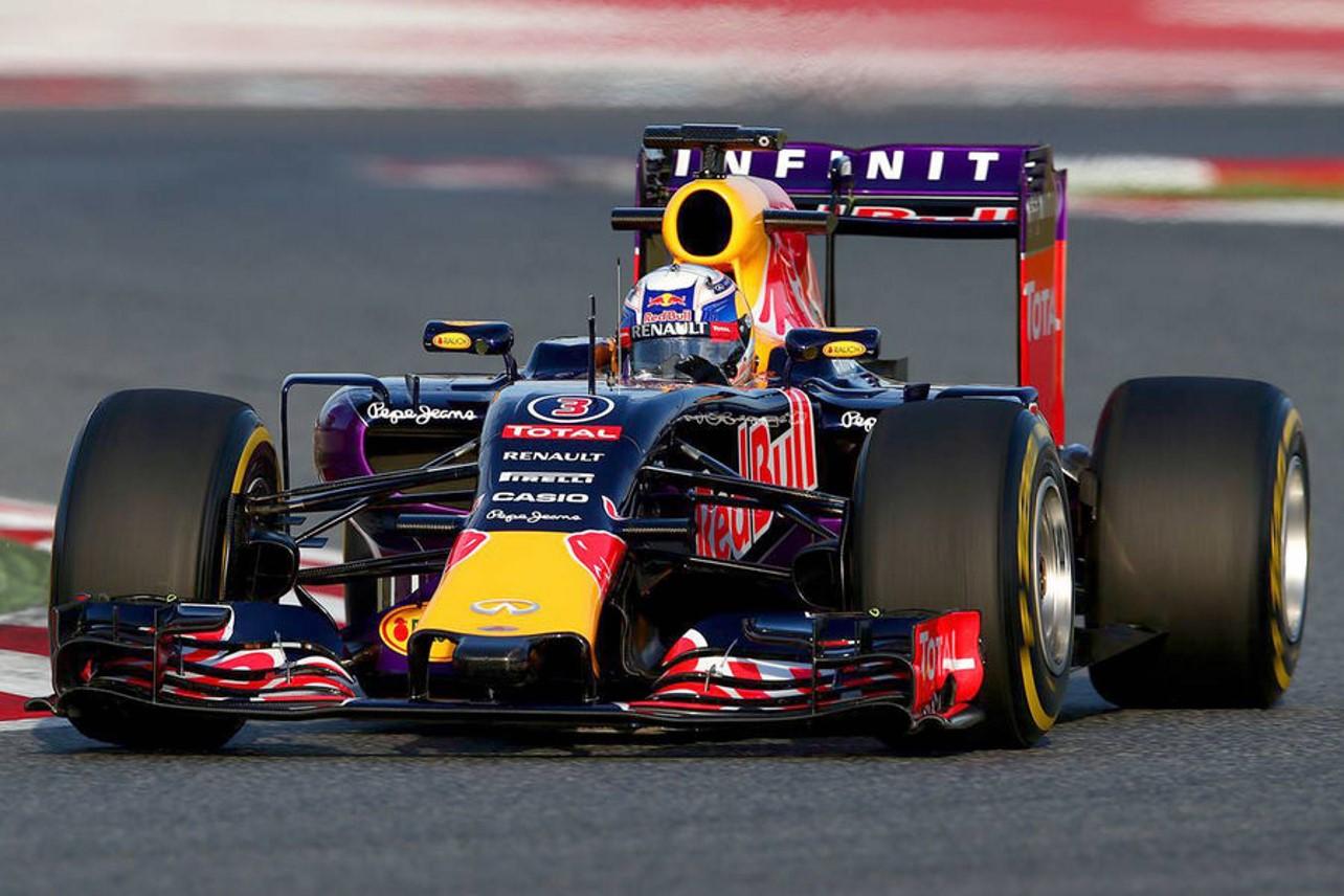 El primer Red Bull Aston Martin llegará en en 2018, primeros datos e información del superexótico 1
