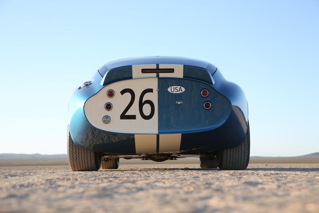 El Shelby Cobra Daytona Coupe vuelve por su aniversario, pero sin motor y sólo 50 unidades 3
