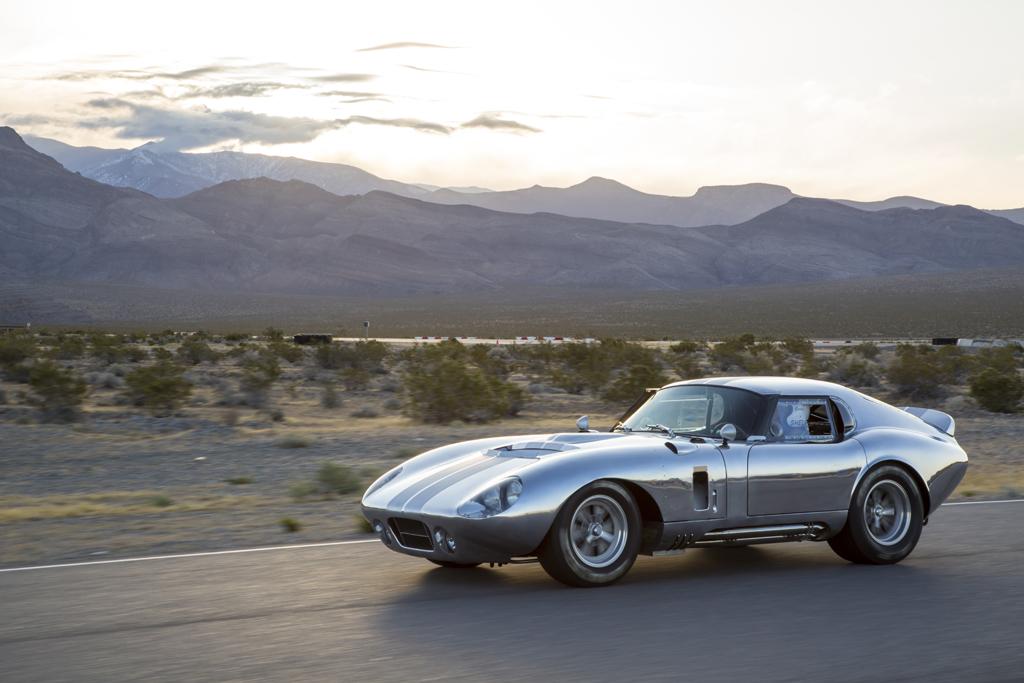 El Shelby Cobra Daytona Coupe vuelve por su aniversario, pero sin motor y sólo 50 unidades 4