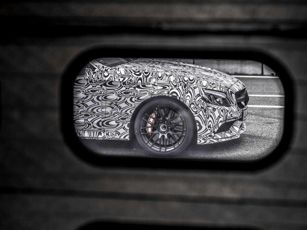Primeras imágenes oficiales del Mercedes C 63 AMG Coupé 2