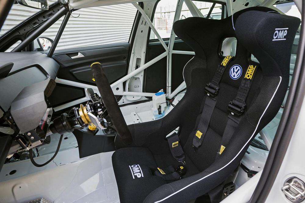Volkswagen Golf TCR: Al ataque de los circuitos con 330 CV bajo el pedal derecho 2