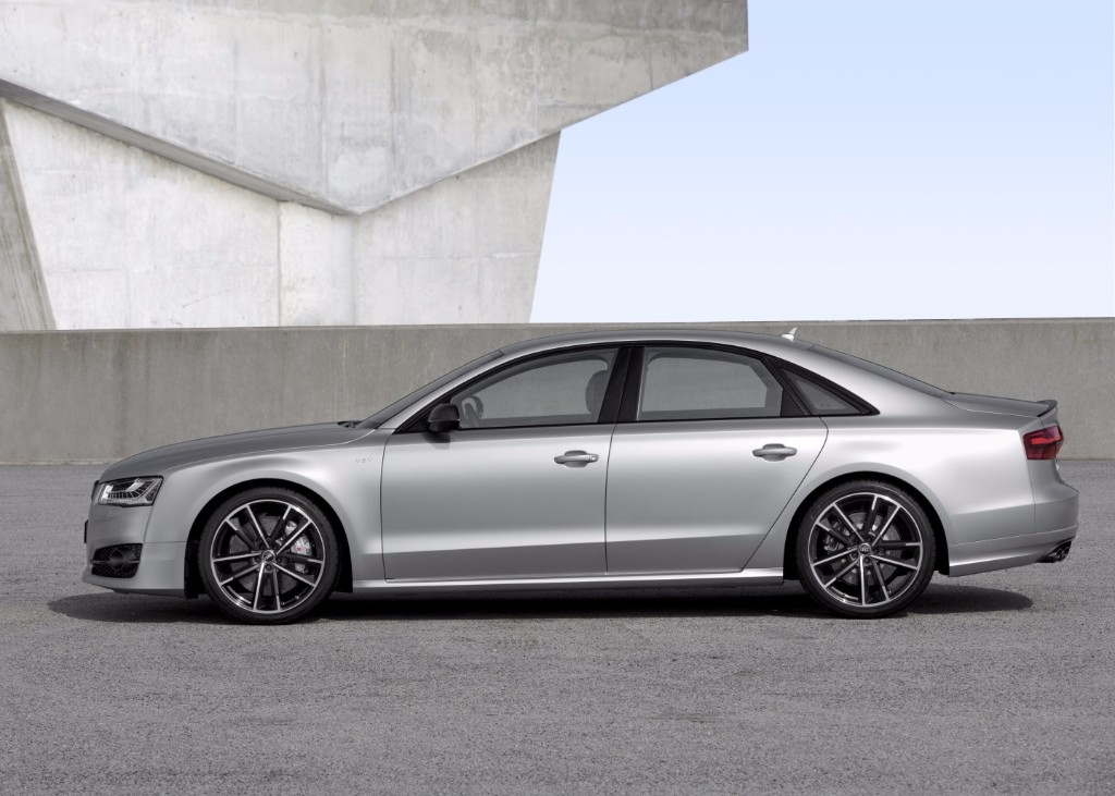 Audi S8 Plus: Te catapultará hasta los 305 km/h con sus 605 CV de potencia 2
