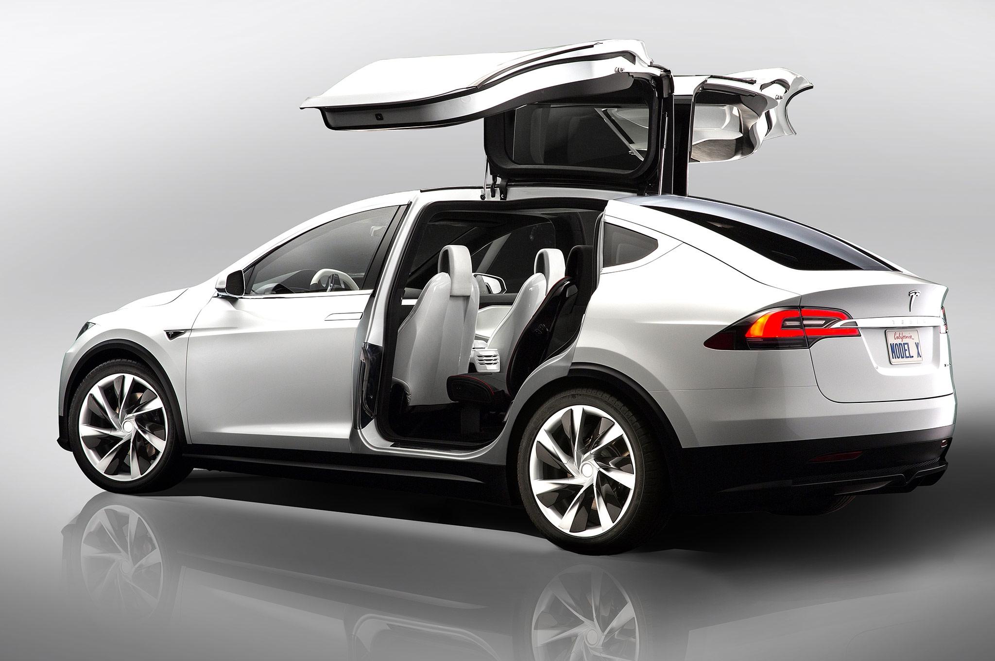 El Tesla Model X llegará en Septiembre a los concesionarios 2