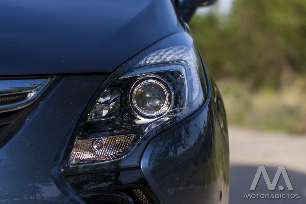 Prueba: Opel Zafira Tourer Turbo 200 CV (diseño, habitáculo, mecánica) 2