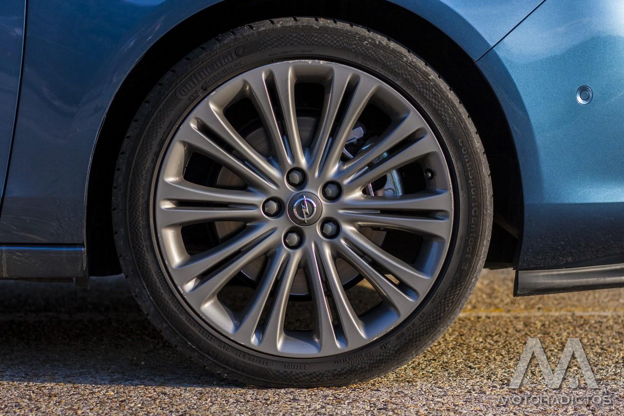 Prueba: Opel Zafira Tourer Turbo 200 CV (equipamiento, comportamiento, conclusión) 3